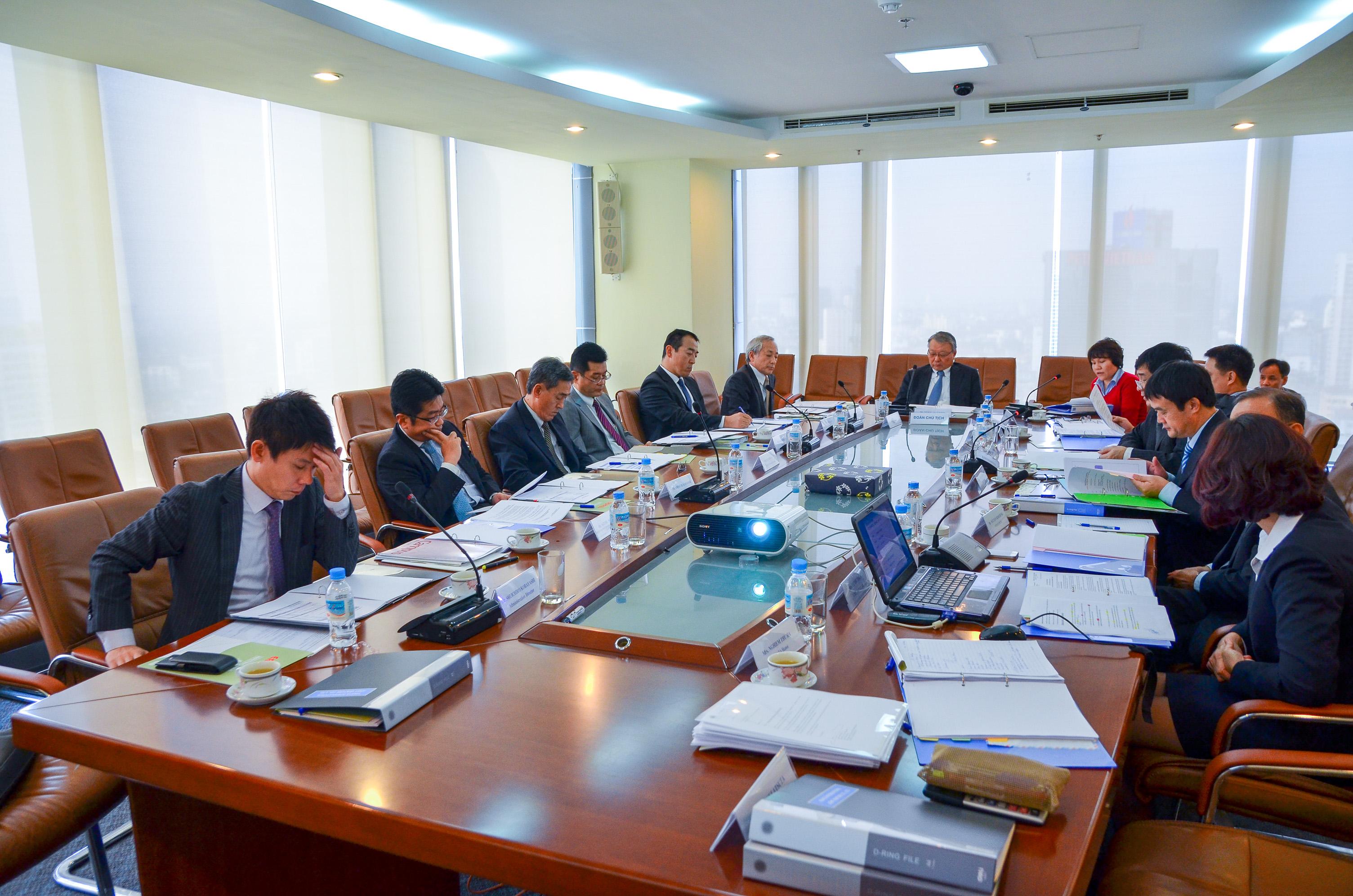 Tiêu chuẩn và điều kiện của Chủ tịch và thành viên Hội đồng thành viên TKV