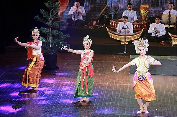 Quyền của cơ sở văn hóa nước ngoài tại Việt Nam