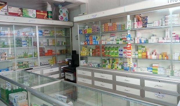 Cơ sở kinh doanh có tổ chức kệ thuốc phải làm hồ sơ công bố