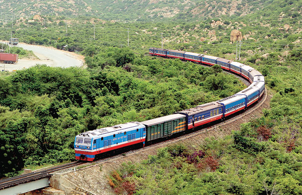 Danh mục công trình được cấp phép xây dựng trên đất dành cho đường sắt