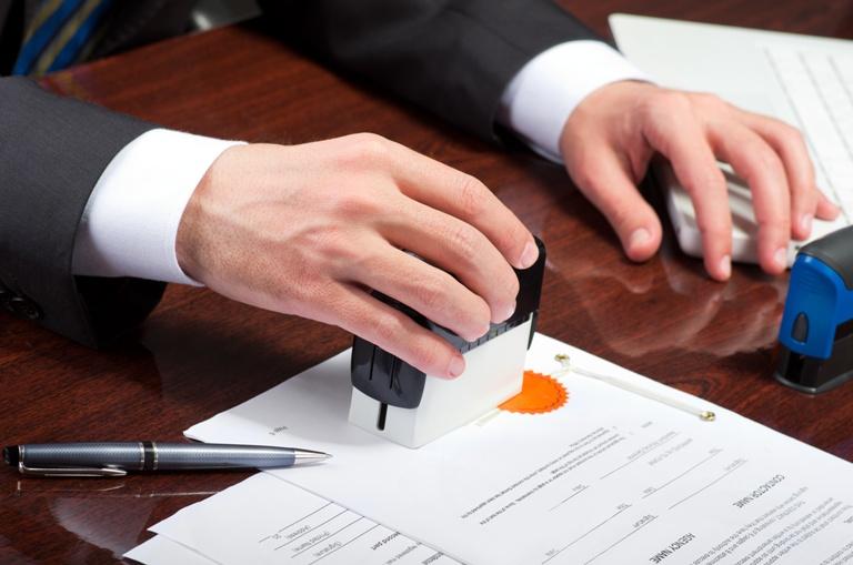 Chế độ quản lý phí công chứng, thẩm định điều kiện hành nghề công chứng