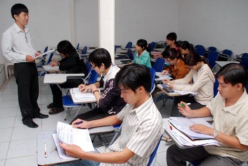 Thời gian làm việc của giáo viên trường dự bị đại học là 42 tuần