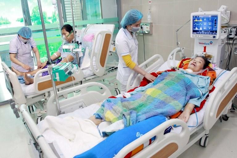 Cơ sở khám, chữa bệnh bị đình chỉ HĐ chuyên môn tối đa 12 tháng
