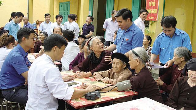 Chăm sóc và phát huy vai trò của người cao tuổi