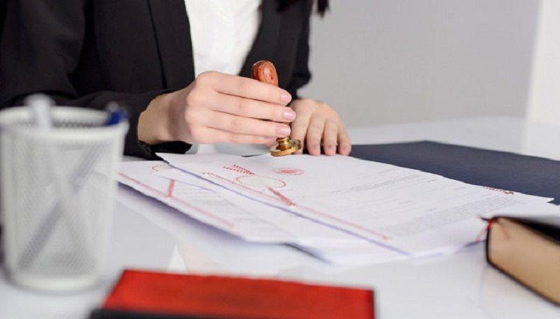 Giải quyết yêu cầu tuyên bố văn bản công chứng vô hiệu