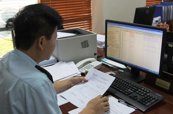 Hồ sơ đề nghị xóa nợ tiền thuế đối với hàng hóa XNK gồm những gì?