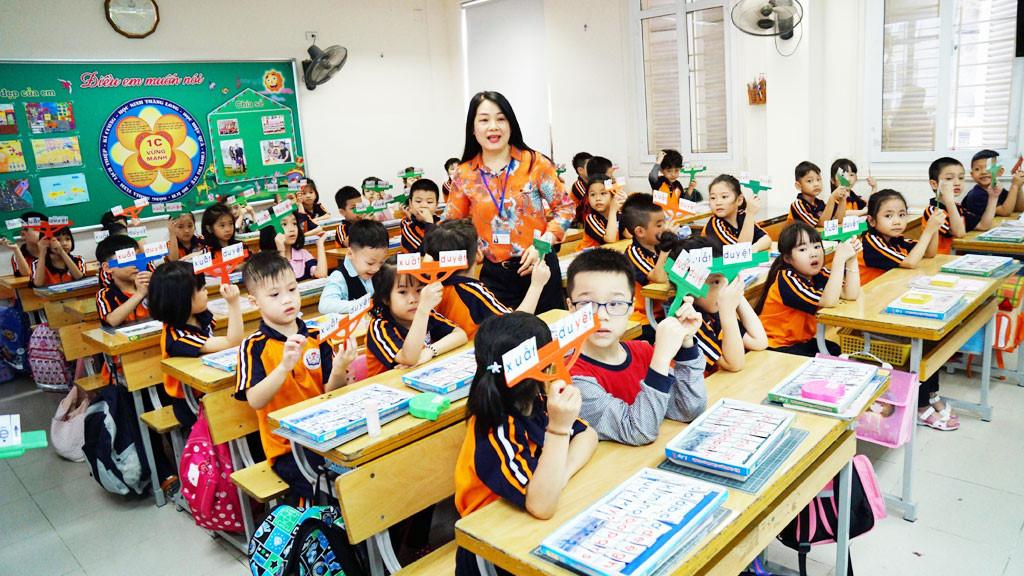 Giáo viên đối xử thiên vị giữa các học sinh là trái quy định