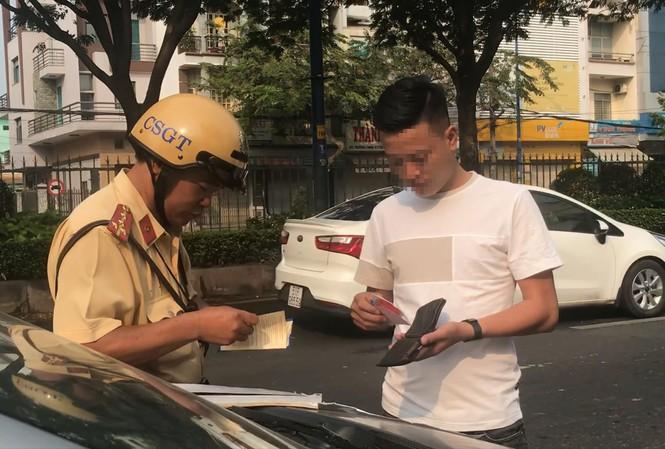 Không muốn bị phạt, tài xế ô tô không nên lái xe liên tục quá 4 giờ