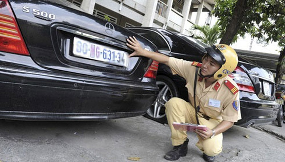 Thu hồi GCN đăng ký xe, biển số xe: Những quy định cần biết
