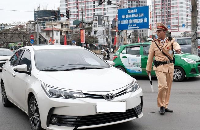 Ai có thẩm quyền xử lý vi phạm trong hoạt động vận tải bằng xe ô tô?