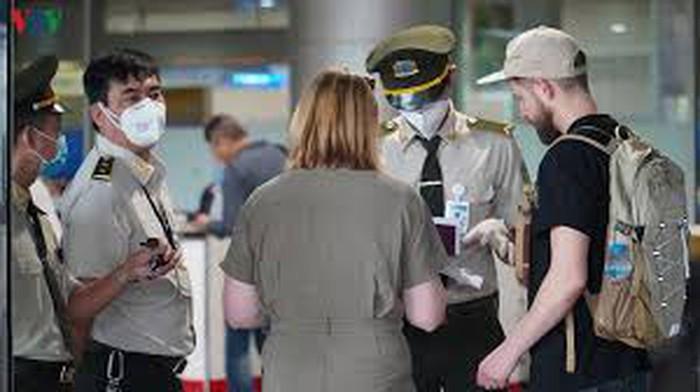 Trường hợp người lưu trú khi chờ xuất cảnh bỏ trốn: Xử lý thế nào?