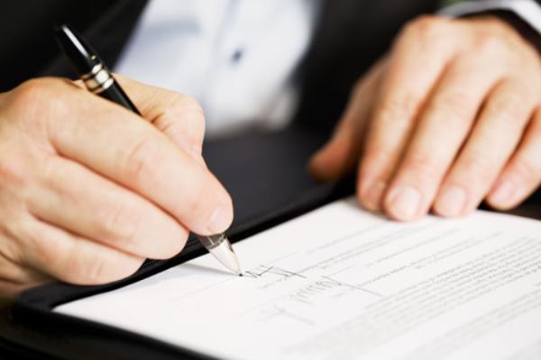 Đứng tên hộ là người đại diện theo pháp luật của công ty, rủi ro pháp lý là gì?