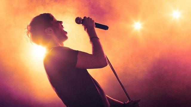 Từ 01/02/2021: Ca sĩ được thoải mái, tự do hát nhép mà không lo bị phạt