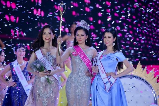Mới: Hoa hậu ra nước ngoài dự thi người đẹp, người mẫu vẫn phải xin phép