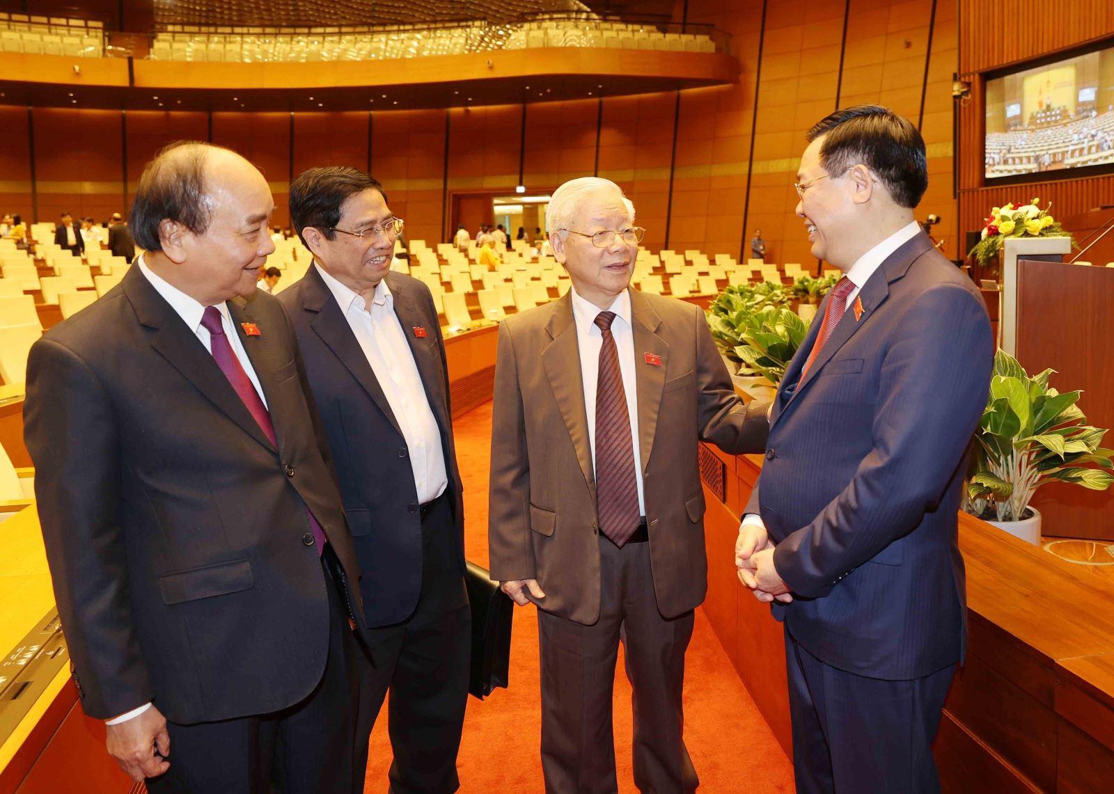 Cách tính lương Tổng Bí Thư, Chủ tịch nước, Thủ tướng Chính phủ