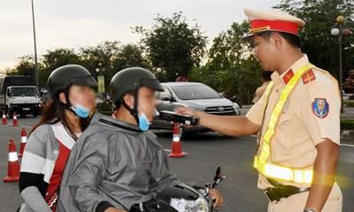 Tổng hợp mức phạt nồng độ cồn người điều khiển ô tô, xe máy cần phải biết