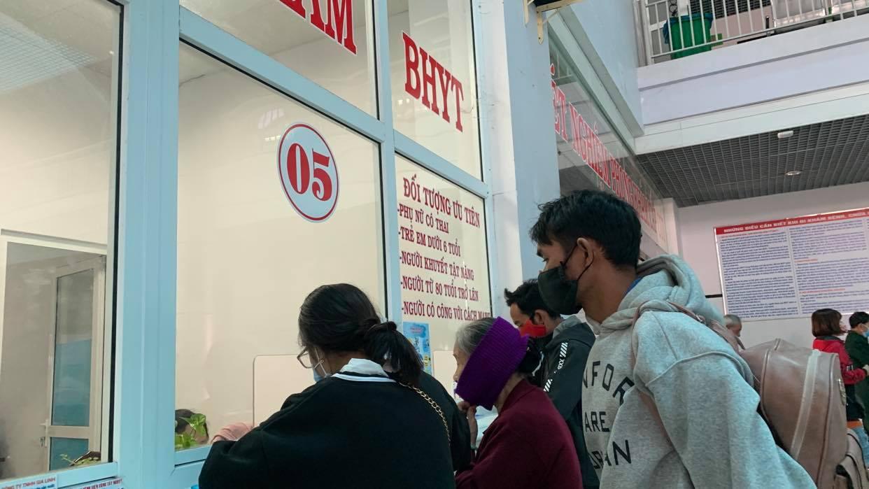 BHXH Việt Nam đồng ý miễn đóng BHYT 8 tháng cho người lao động