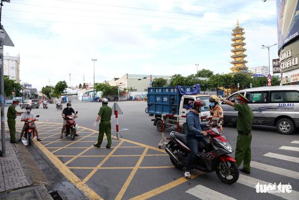 TP.HCM sẽ quy định thời gian người dân được đi ngoài đường