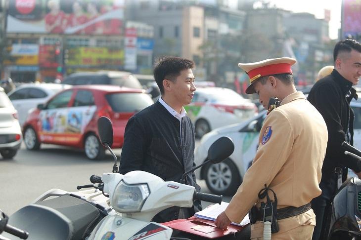 Lái xe khi đã bị tước bằng lái bị phạt bao nhiêu tiền?