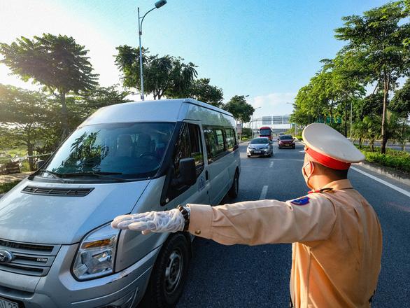 Hà Nội duy trì 23 chốt kiểm soát cửa ngõ ra, vào thủ đô sau ngày 21-9