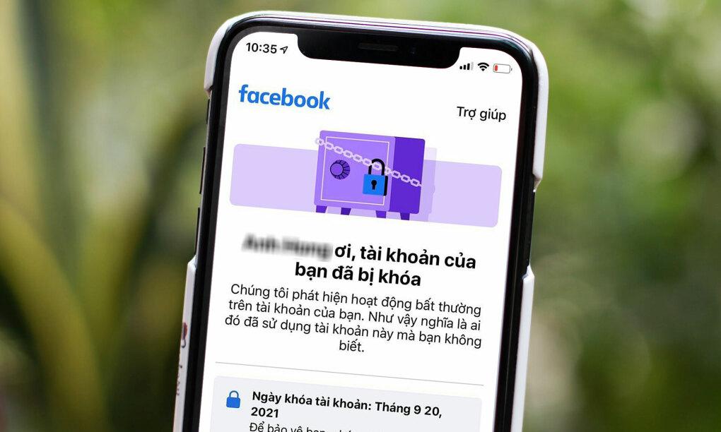 Hàng loạt tài khoản Facebook tại Việt Nam bị khóa