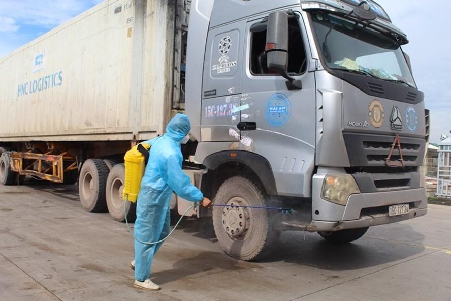 Tại sao phải xét nghiệm virus SARS-CoV-2 cho hàng hoá trước khi xuất khẩu?