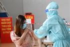 [KHẨN] TP.HCM tạm ngừng tiêm vắc xin Covid-19 Pfizer - lô FK0112, chưa rõ lý do