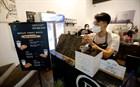 TP.HCM sẽ cho phép hàng quán ăn uống tại chỗ được phục vụ bia, rượu