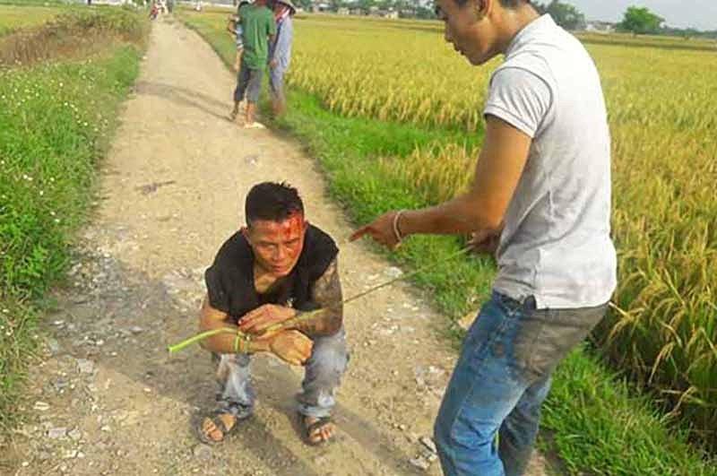 Giang hồ tấn công nông dân ở thôn Đồng Tâm, đòi bảo kê gặt lúa - ảnh 1