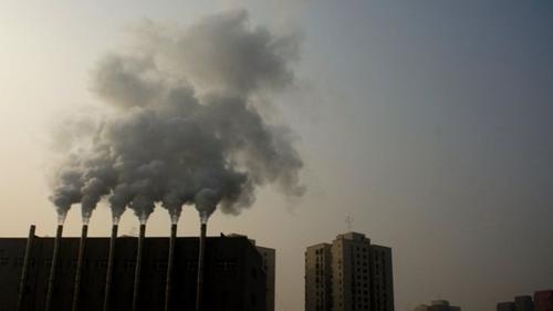 Trung Quốc đang cố gắng tăng chất lượng không khí trong nước. Ảnh: AFP