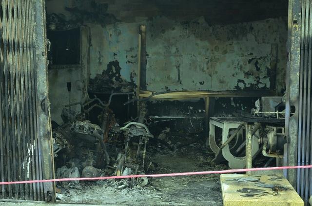 4 xe máy cùng nhiều tài sản bên trong căn nhà bị lửa thiêu rụi