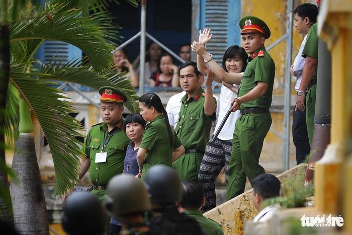 Y án sơ thẩm với nhóm khủng bố sân bay Tân Sơn Nhất - Ảnh 3.