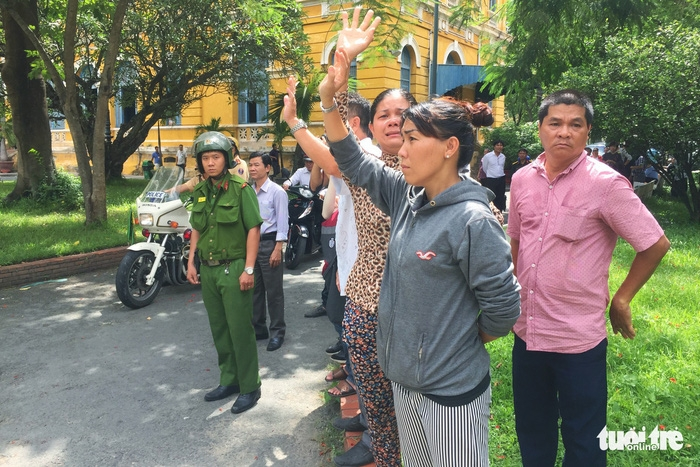 Y án sơ thẩm với nhóm khủng bố sân bay Tân Sơn Nhất - Ảnh 5.