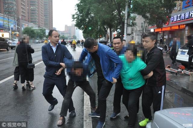 Hai nghi phạm của đường dây buôn bán trẻ em bị cảnh sát bắt giữ