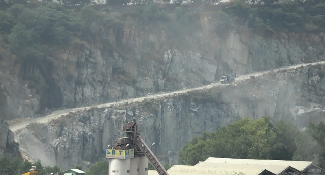 Thiếu vật liệu, Bình Dương đề xuất gia hạn nhiều cụm mỏ đá khủng - Ảnh 2.