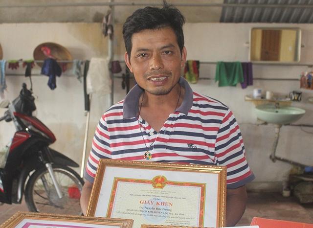 Anh Dương rất vui vẻ khi kể về hoạt động hiến máu cứu người của mình.