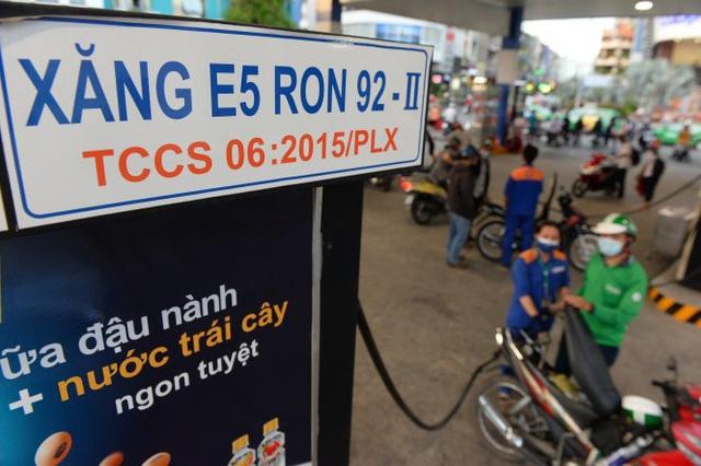 Giải oan xăng E5 và đề nghị giảm phí môi trường - Ảnh 1.