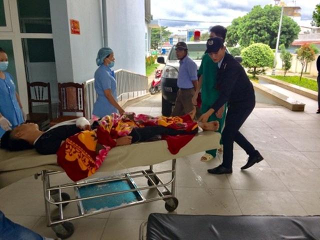 Hàng chục bệnh nhân đi cấp cứu tại bệnh viện
