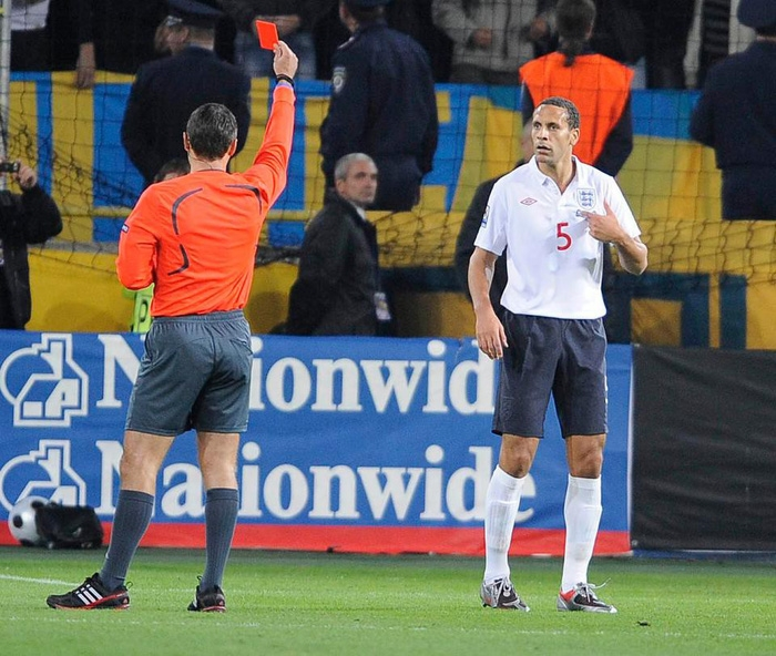 Lục tung hồ sơ trọng tài đẹp trai phạt thẻ đỏ Colombia ngay phút thứ 3 - Ảnh 6.