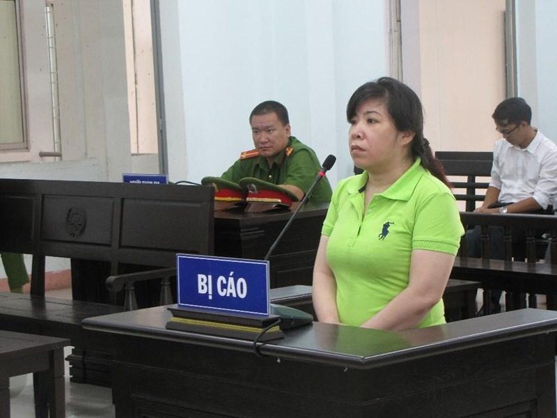 Nữ kế toán biển thủ hàng trăm triệu đồng hầu tòa - ảnh 1