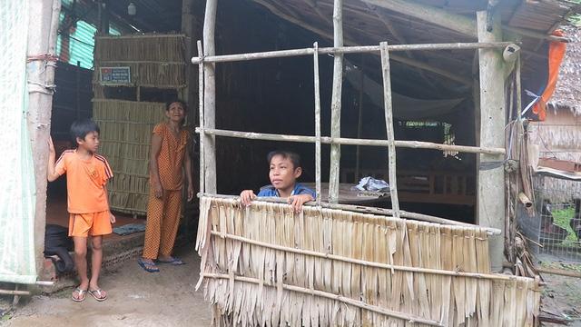 Hỗ trợ tiền trực tiếp không phải cách để người Việt thoát nghèo - Ảnh 1.