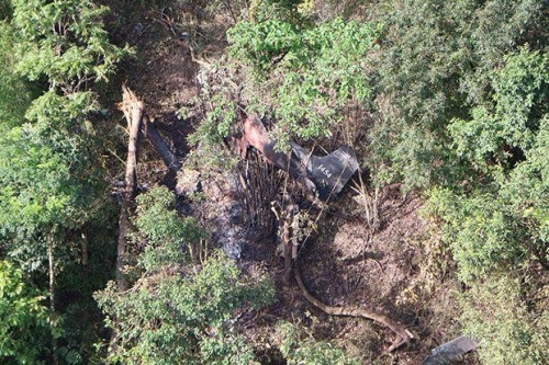 An army patrol plane is found crashed in the woods near the Myanmar border in Mae Hong Son on Thursday. (Royal Thai Army photo)   Please credit and share this article with others using this link:https://www.bangkokpost.com/news/general/1498062/army-plane-carrying-four-crashes. View our policies at http://goo.gl/9HgTd and http://goo.gl/ou6Ip.  Post Publishing PCL. All rights reserved.