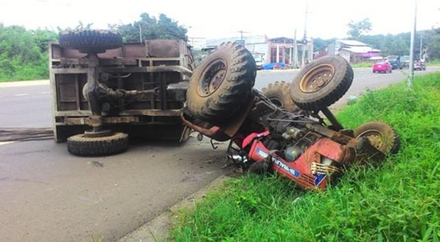 Điều tra vụ xe tải đâm máy cày làm 22 người thương vong - Ảnh 1.