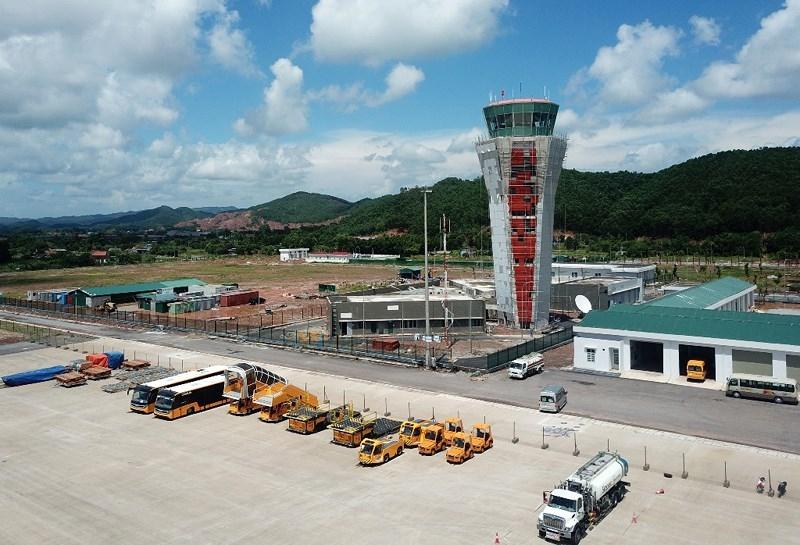 Sân bay Vân Đồn đón chuyến bay hiệu chuẩn đầu tiên - ảnh 2