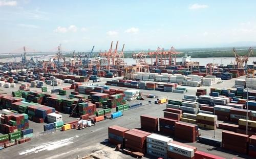 Chi nhánh Cảng Tân Vũ thuộc Công ty Cổ phần Cảng Hải Phòng được xác định là cảng có lượng hàng hóa tồn nhiều nhất lên đến 514 container tính đến ngày 31/5/2018. Ảnh: Giang Chinh