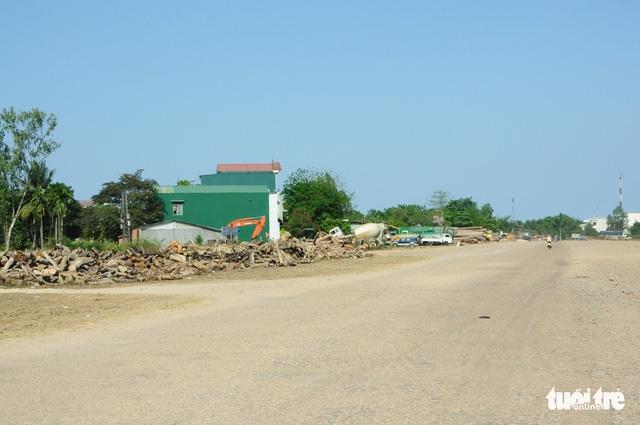 Bộ Quốc phòng giao sân bay Quảng Phú cho Quảng Ngãi - Ảnh 1.