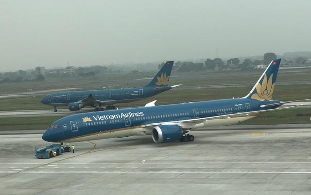 Đường băng sân bay Nội Bài và Tân Sơn Nhất đang xuống cấp nghiêm trọng