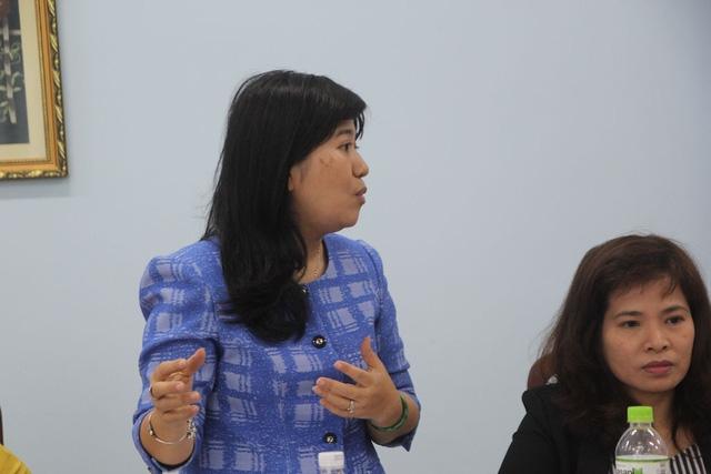 Giám đốc Công ty TNHH MTV Dịch vụ công ích quận 2 Nguyễn Thị Thu Hằng cho biết muốn có ki ốt tại chợ Thảo Điền người dân phải tham gia đấu giá theo quy định