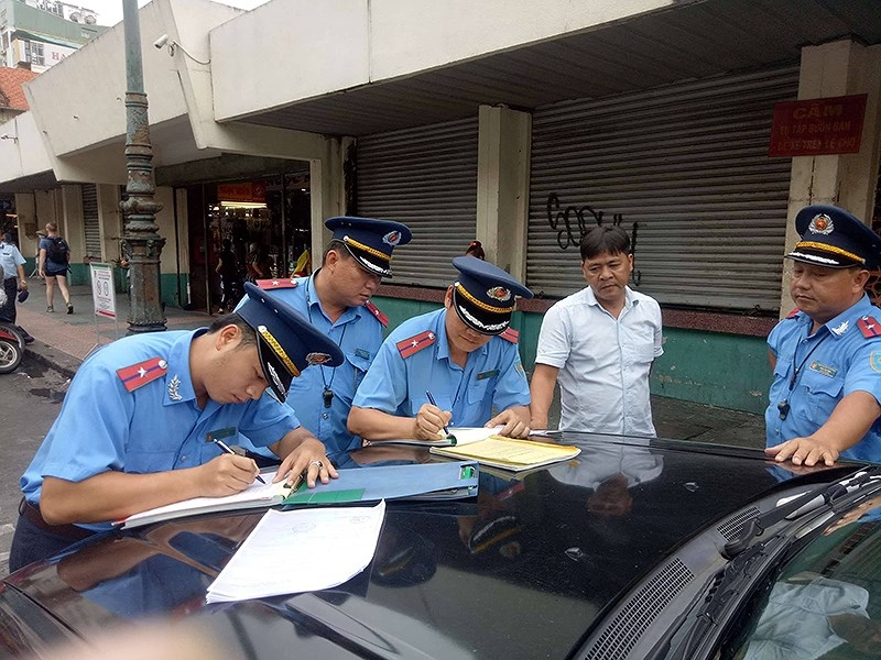 Vinasun trình báo 22 vụ taxi dỏm giật tiền du khách - ảnh 1