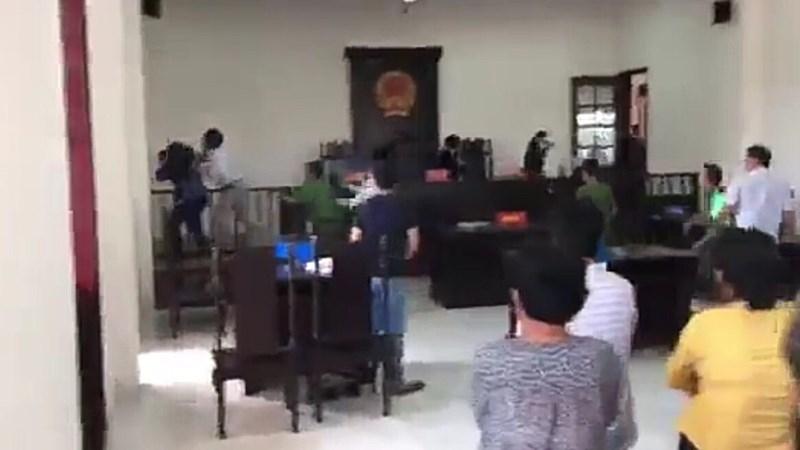 Hai người bị đánh tại TAND huyện Bình Chánh là ai? - ảnh 1